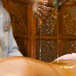 indian ayurvedic oil body massage